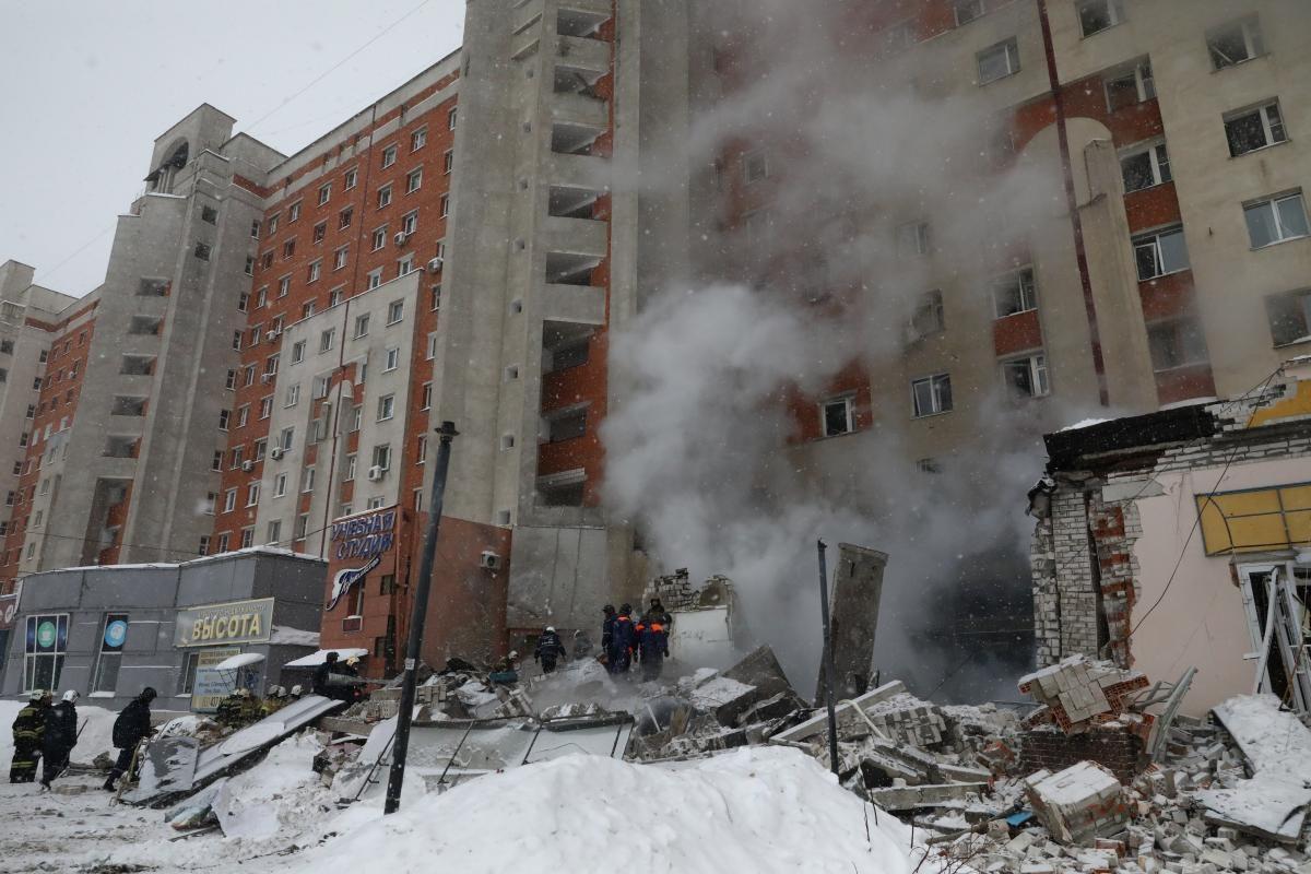 Жители пострадавшего дома на Мещерском бульваре получат материальную помощь