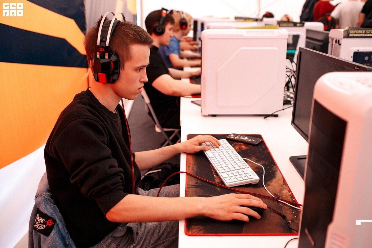 2,5 млн рублей могут выиграть нижегородские студенты на турнирах по киберспорту
