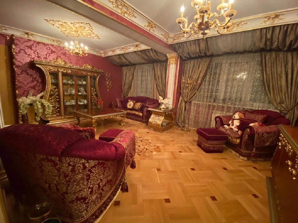 Королевскую квартиру продают в центре Нижнего Новгорода за 40 млн рублей