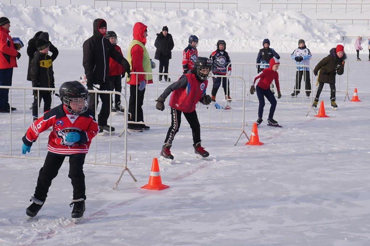 «Лёд нашей надежды»: смотрим, как прошли соревнования по конькобежному спорту на стадионе «Труд» в Нижнем Новгороде
