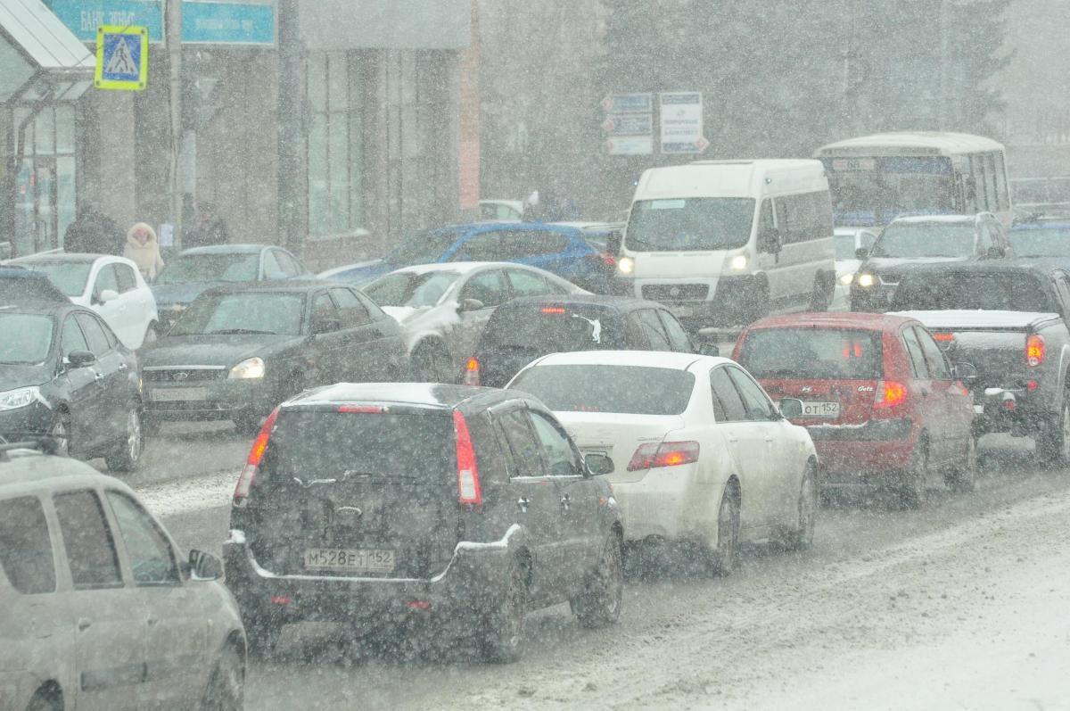 10-балльные пробки сковали дороги Нижнего Новгорода