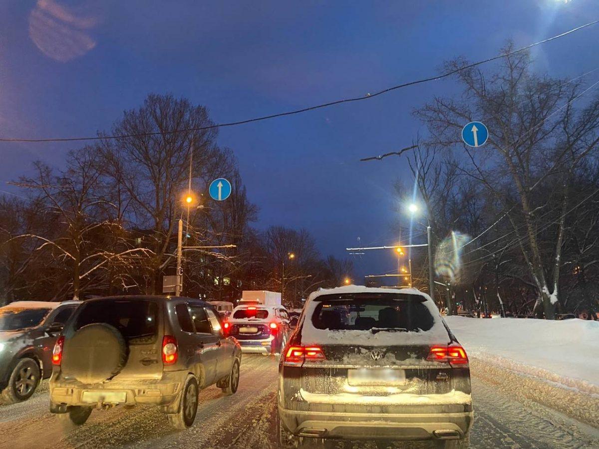 Пробки в 10 баллов сковали Нижний Новгород в пятницу вечером