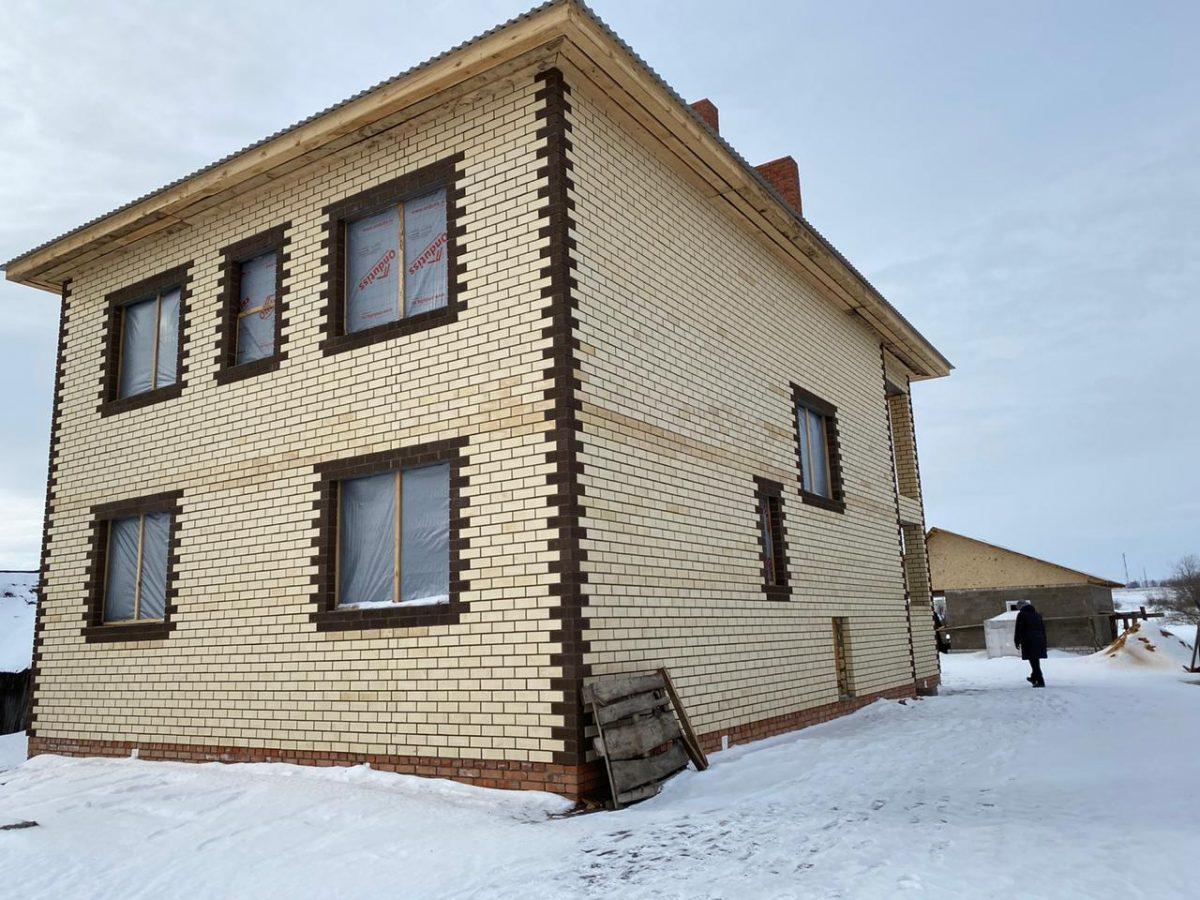 Общественники обратились в правительство с просьбой разобраться с недостроем для семьи с 12 детьми в Спасском районе
