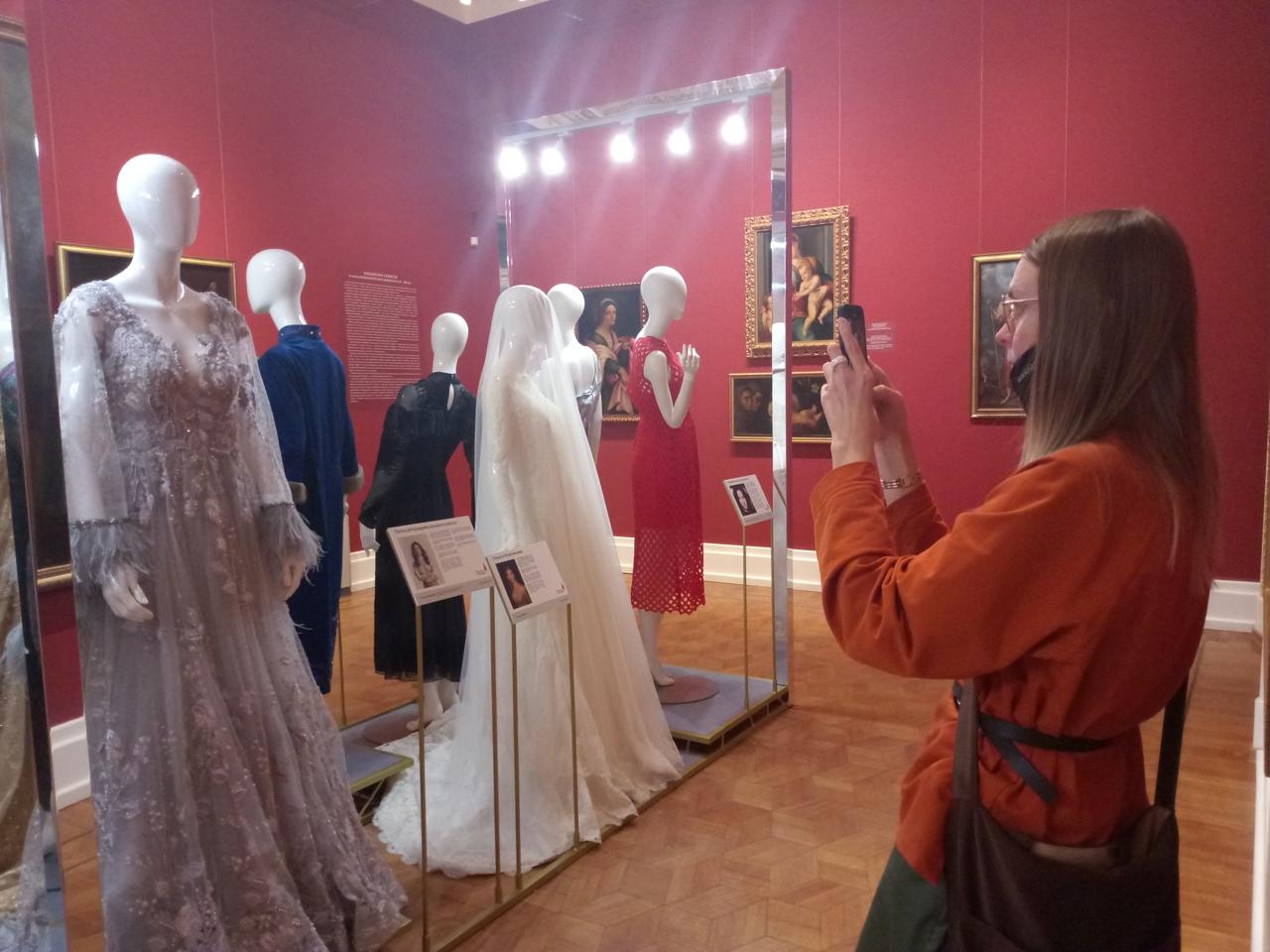 венчальное платье выставка платье с историей
