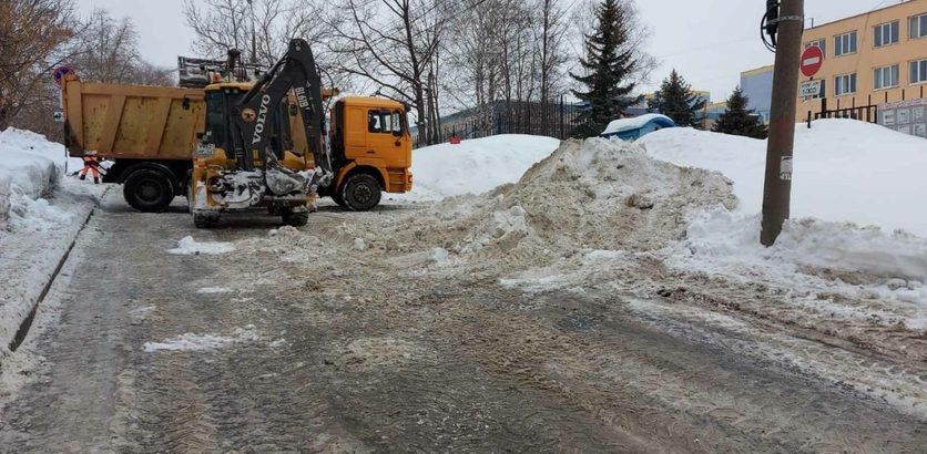 Работы в каждом районе: какие улицы Нижнего Новгорода избавят сегодня от снега и льда