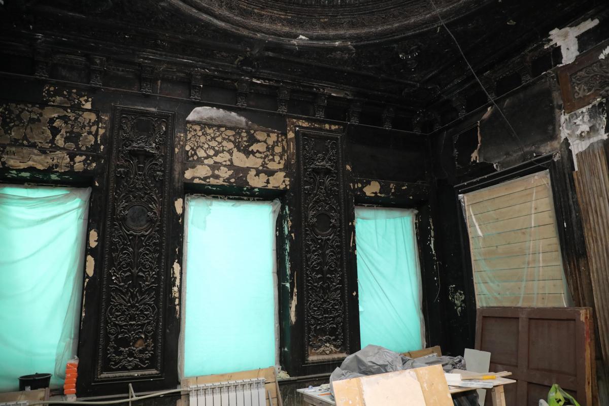 Литературный музей реставрация Белый зал