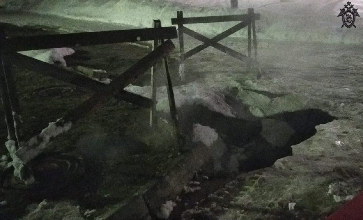 Следственный комитет организовал проверку по факту падения девушки в яму с кипятком в Дзержинске
