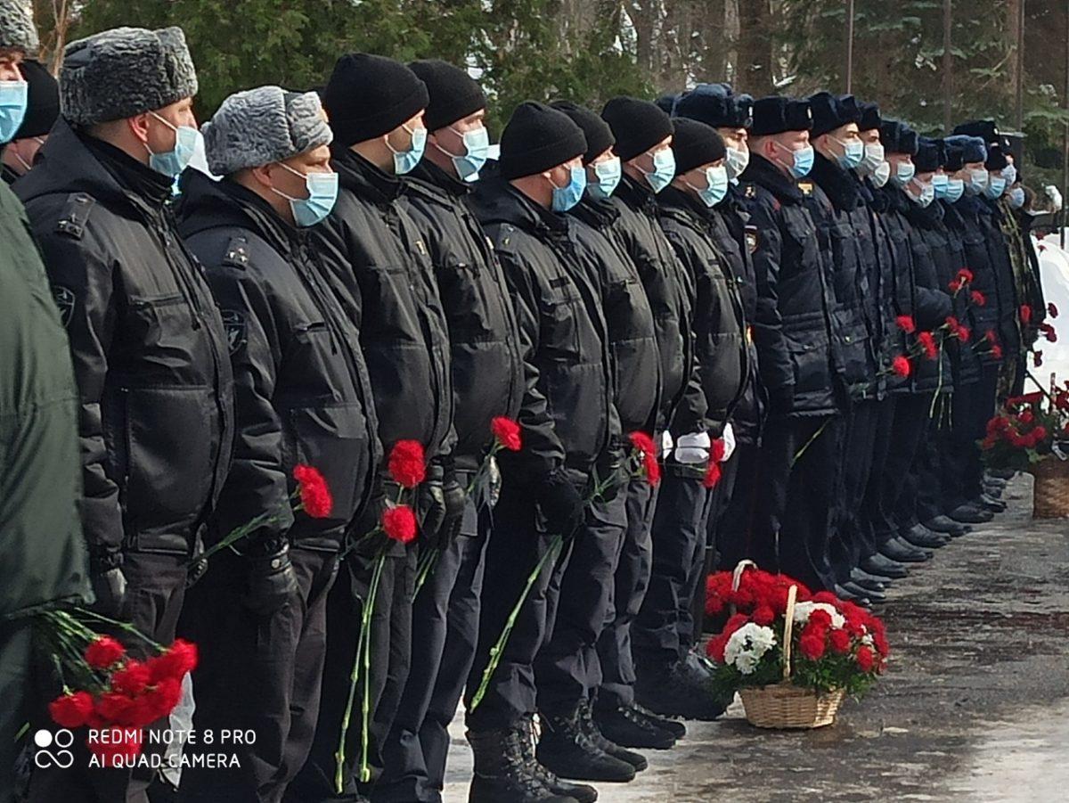 В Нижнем Новгороде почтили память бойцов СОБРа, погибших в Грозном 25 лет назад
