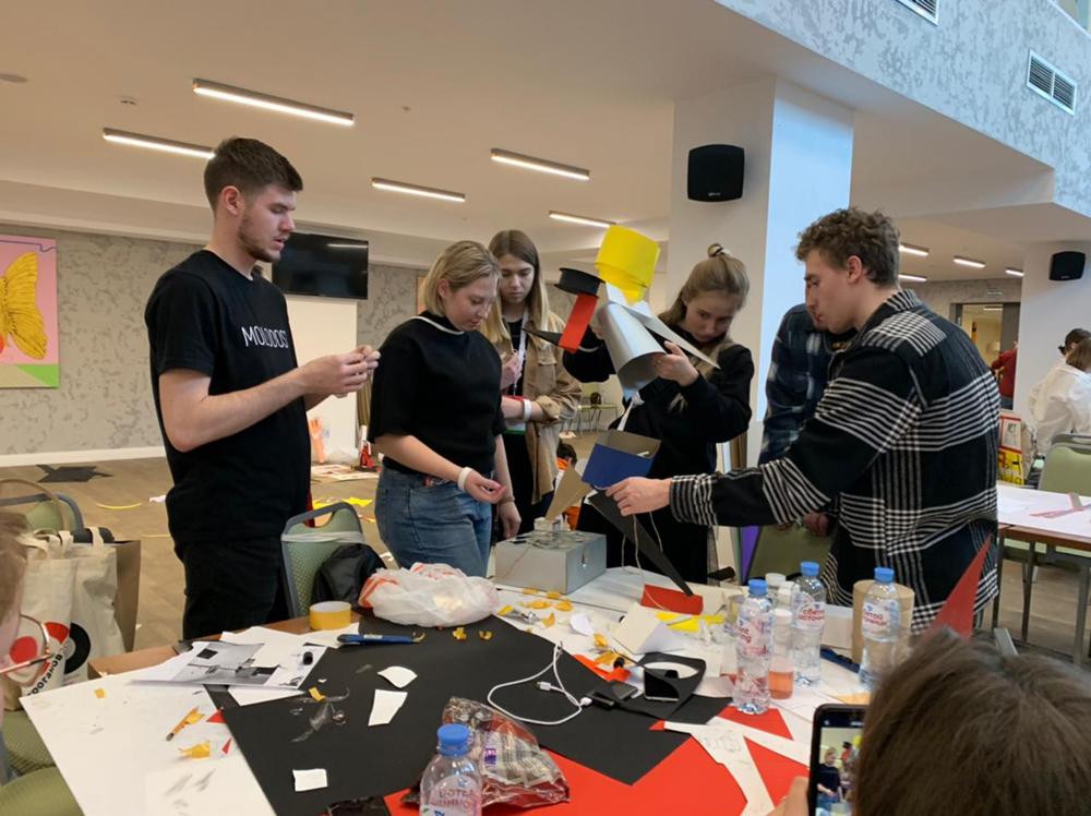 Проект «Военная техника Нижнего на открытках» победил на всероссийском фестивале