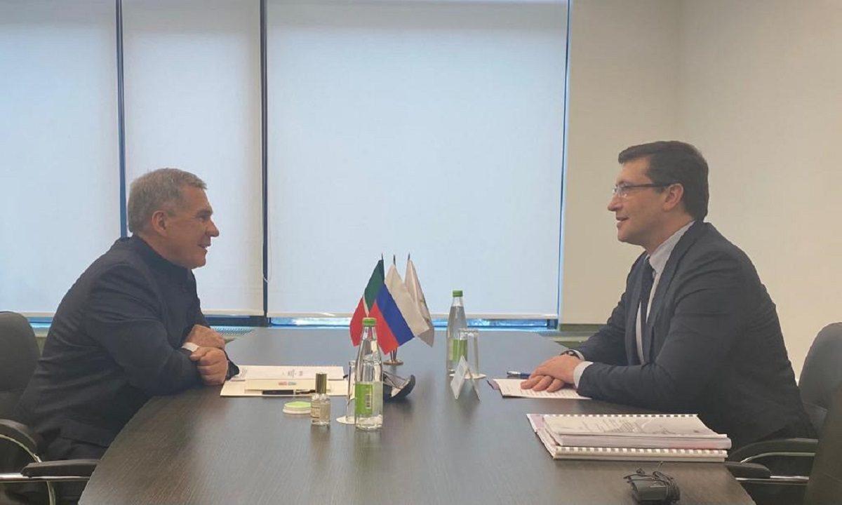 Глеб Никитин провел рабочую встречу сРустамом Миннихановым
