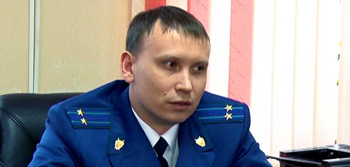 Дмитрия Жиделёва признали виновным в получении взятки: разбираемся, за что бывшего зампрокурора региона отправили в колонию