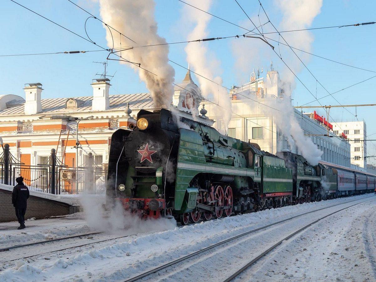 Паровоз середины XX века приехал в Нижний Новгород
