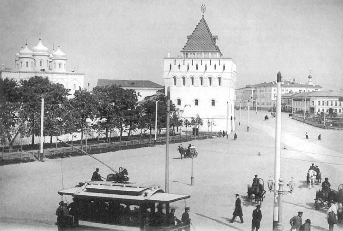 Прямо по центру: что делал ученик Растрелли на главной площади Нижнего Новгорода
