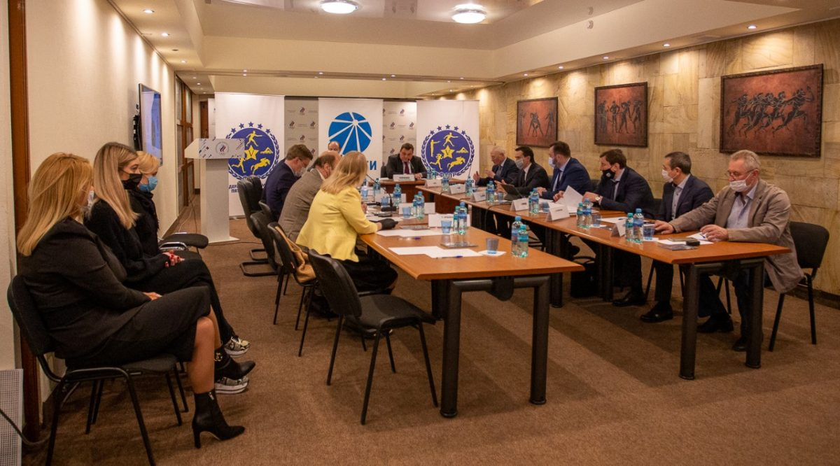 Организацию чемпионата Европы вНижнем Новгороде обсудил попечительский совет Федерации современного пятиборья