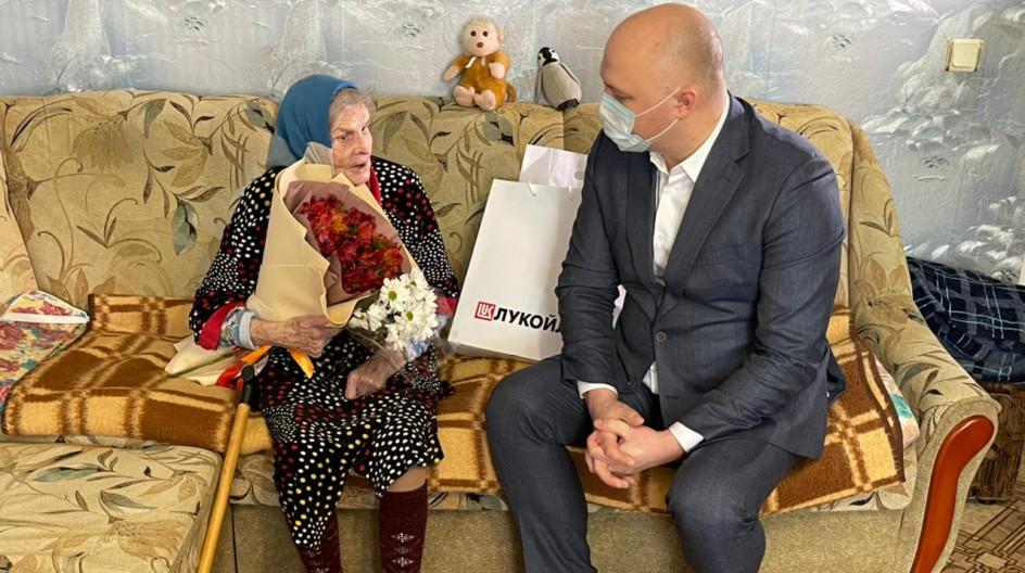Участниц Великой Отечественной войны поздравили с Международным женским днем в Нижегородской области