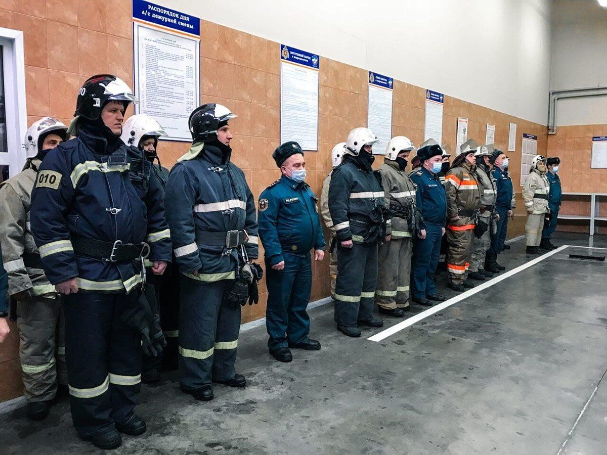 Жительница Сарова поблагодарила пожарных за спасение ее и детей