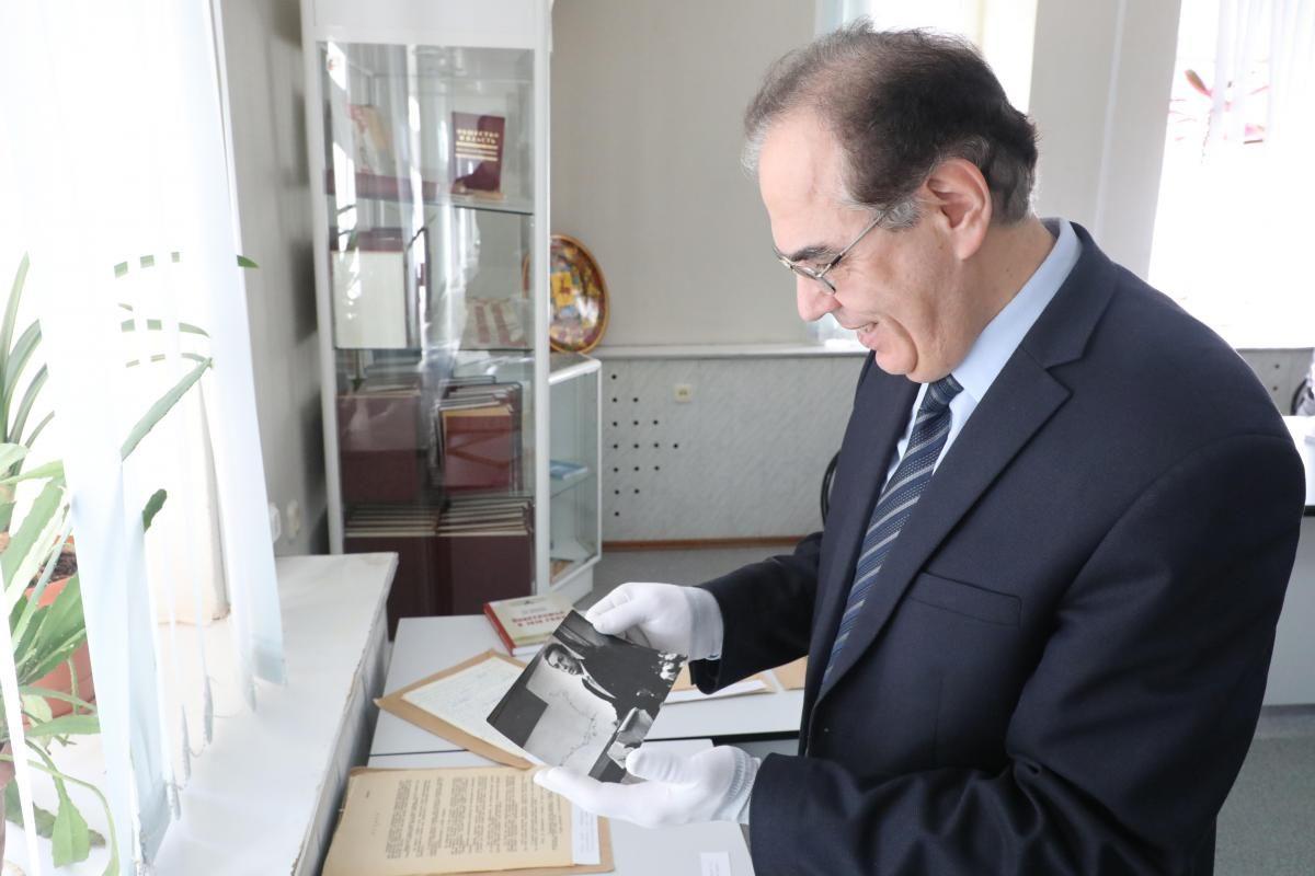 Борис Пудалов: «Серьезные открытия требуют специальных знаний и большого трудолюбия»