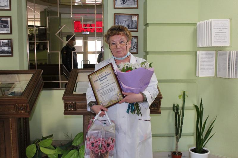 Сотрудницу аптеки наградили за помощь в поисках пропавшего подростка в Нижнем Новгороде