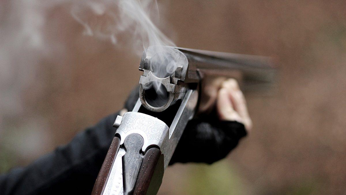 Нижегородец открыл стрельбу с балкона
