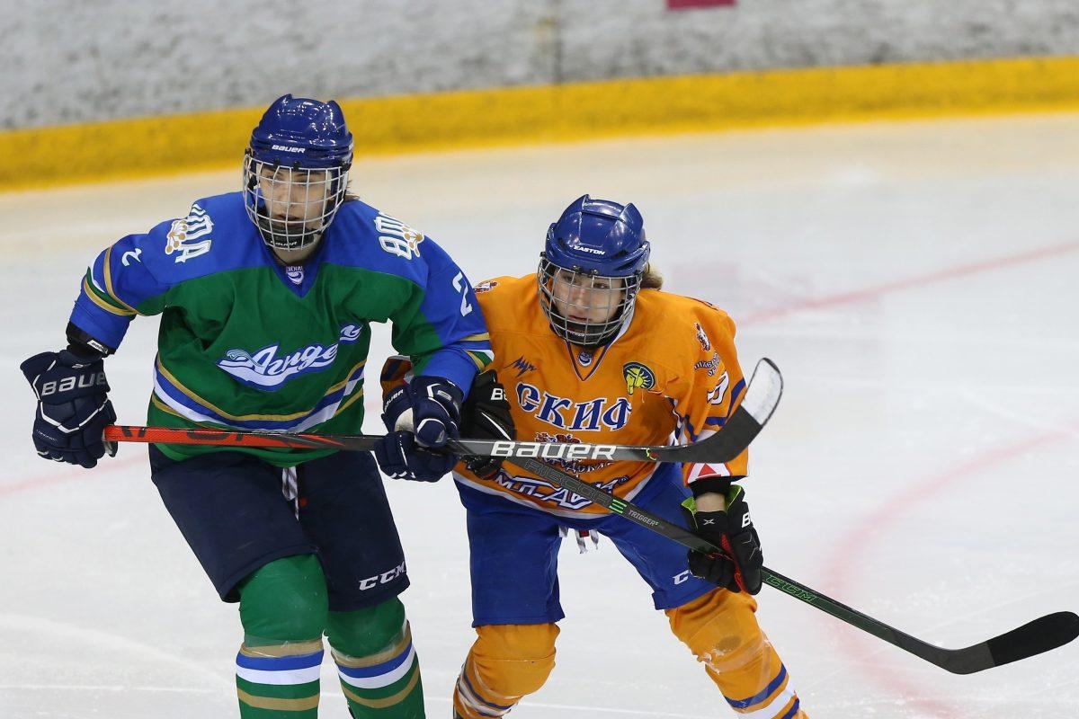 Хоккеистки «СКИФа» с победы стартовали в серии плей-офф