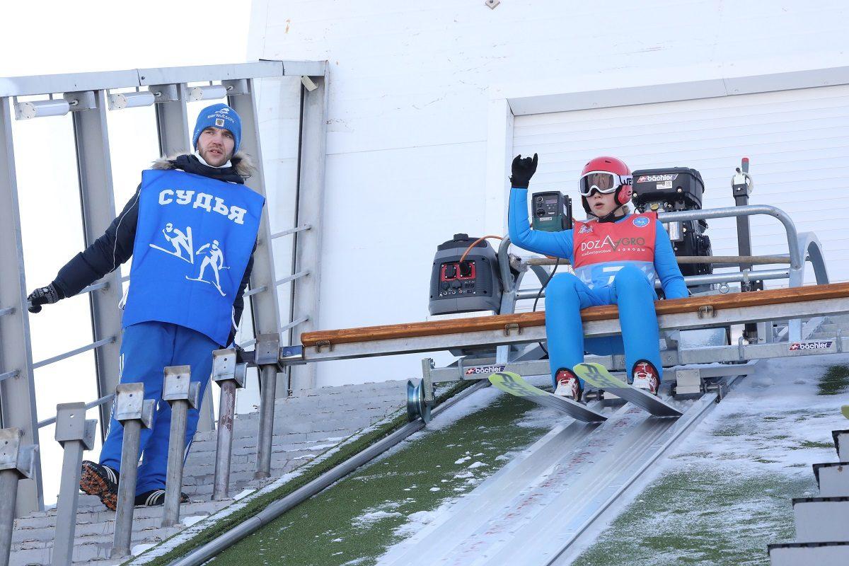 трамплин к-60 лыжник старт