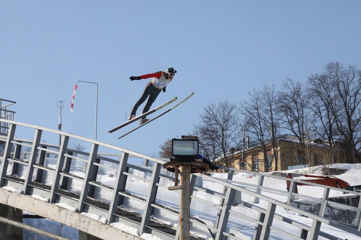 трамплин к-60 лыжник