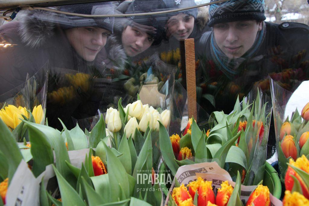 В Роспотребнадзоре рассказали, как выбрать свежие живые цветы к 8 Марта
