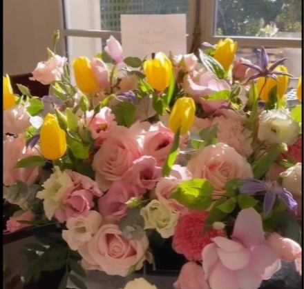 Наталью Водянову осыпали цветами в День Рождения