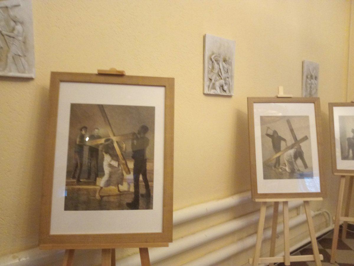 Выставка «Крестный Путь Иисуса Христа в современном городе» открылась в Нижнем Новгороде