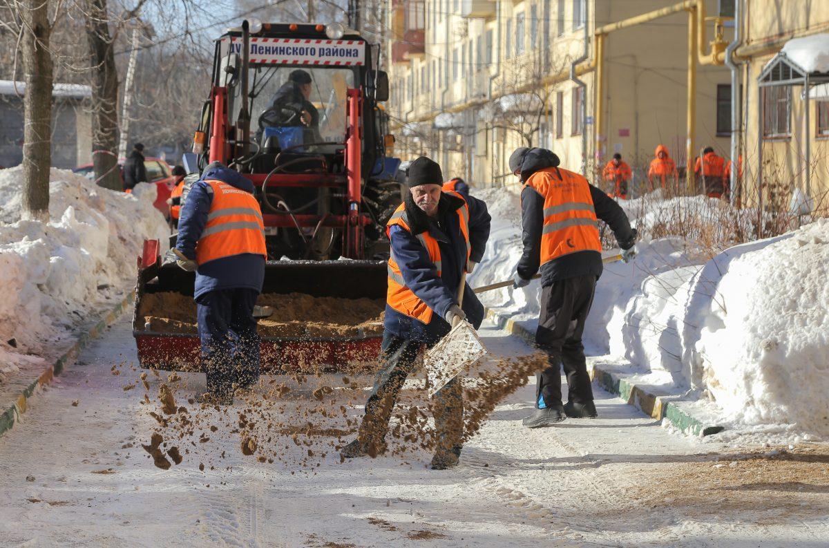 Около 1,6 млн кубометров снега вывезли из нижегородских дворов с начала зимы: смотрим, как сегодня прошла уборка в районах города