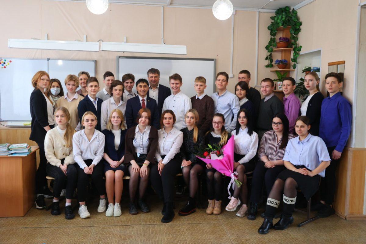 Глава Дзержинска посетил с рабочим визитом школу № 71 и химический техникум
