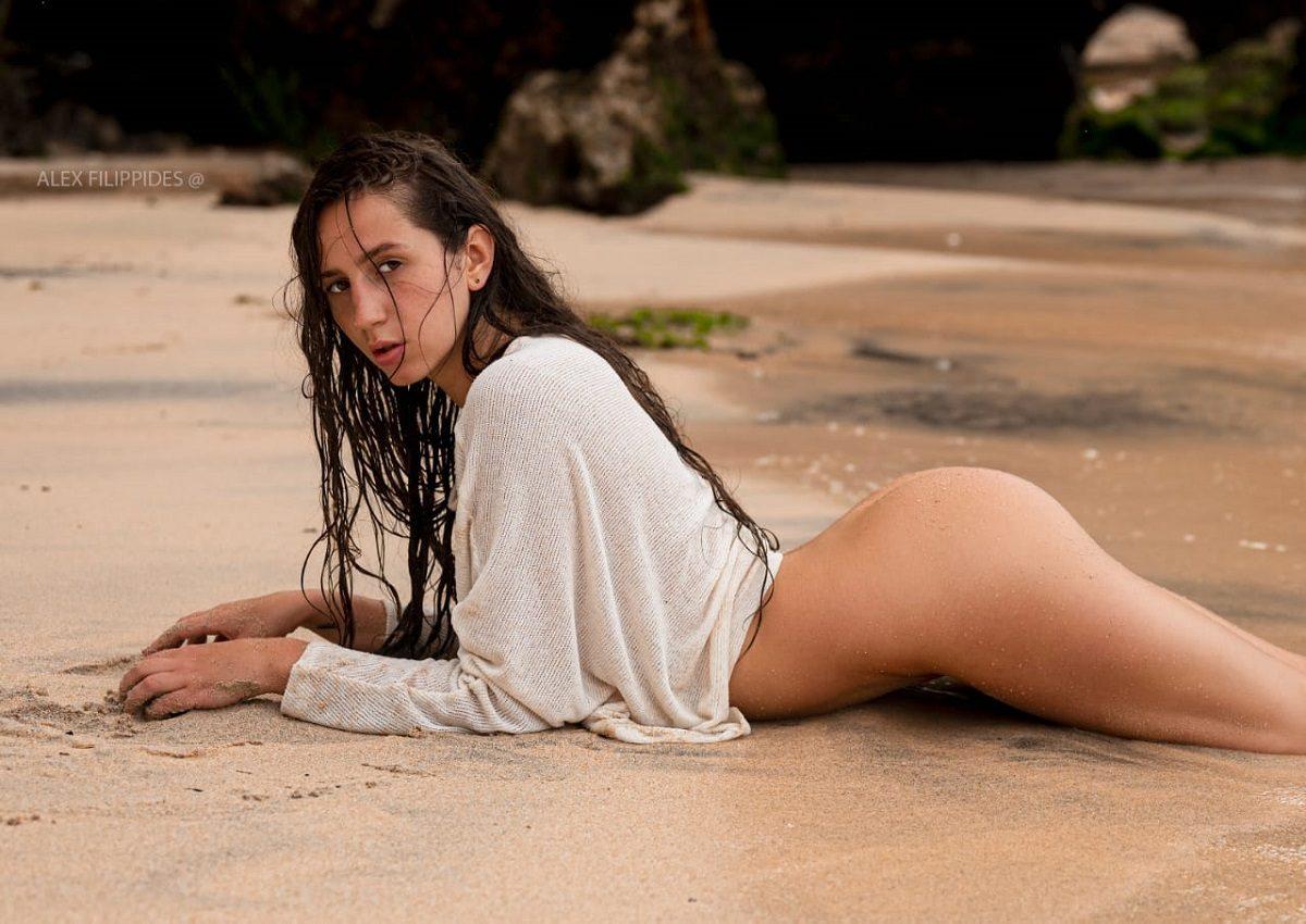 Нижегородка в мини-бикини борется за звание «Miss Maxim — 2021»