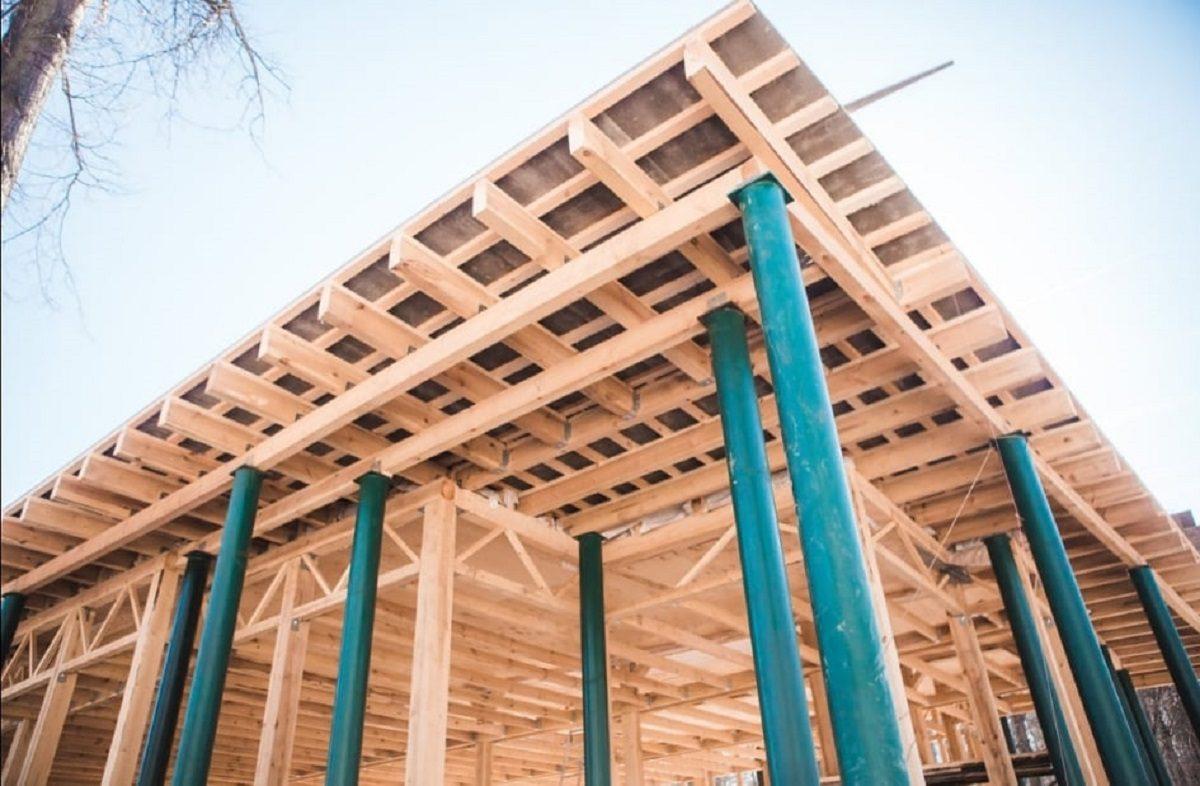 Три кафе под одной крышей строят в парке «Швейцария»