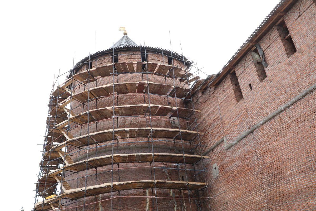 «Это самая масштабная работа»: как проходит реставрация Нижегородского кремля от Зачатьевской до Георгиевской башни