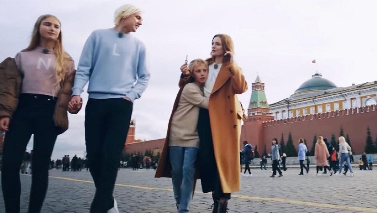«Посмотрите, какая красота»: Наталья Водянова устроила себе «Русские каникулы»