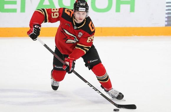 Нижегородский хоккеист Алексей Потапов стал обладателем Кубка Гагарина в составе омского «Авангарда»