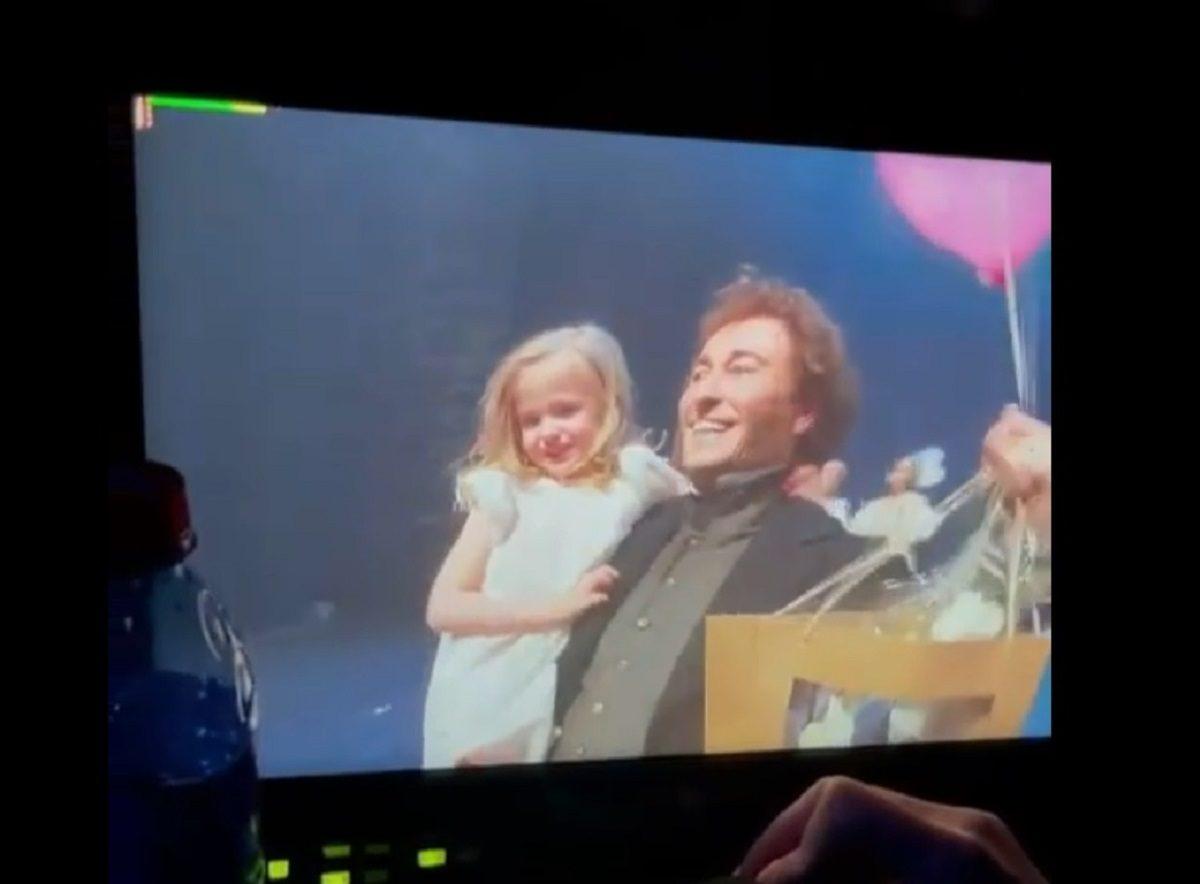 Маленькое чудо: Сергей Безруков вывел на сцену дочь