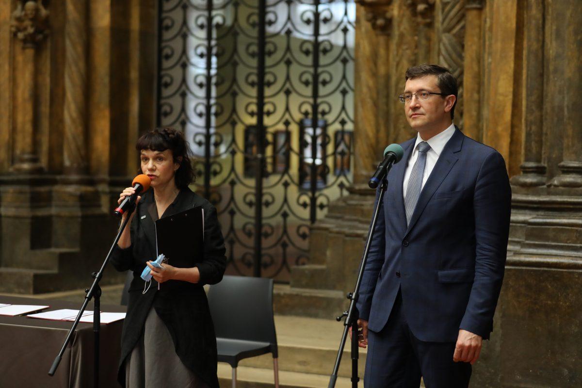 Глеб Никитин идиректор Пушкинского музея Марина Лошак подписали соглашение осотрудничестве