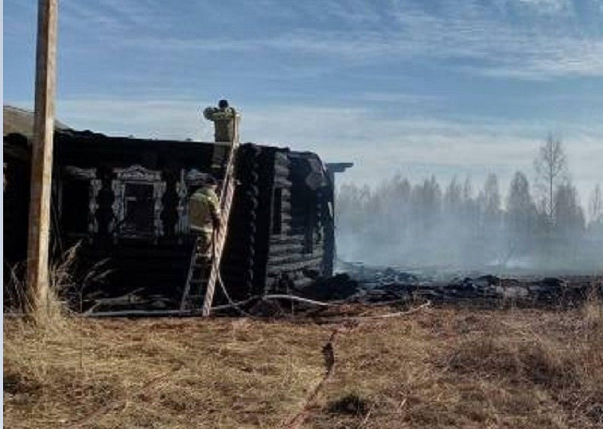В Нижегородской области из-за поджога сухой травы сгорели три дома и четыре бани