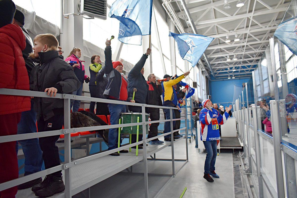 Тоншаевский «Старт» выиграл первый финальный матч чемпионата области по хоккею