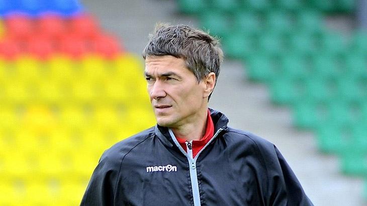 Главным тренером дзержинского футбольного клуба «Химик» стал Виктор Булатов