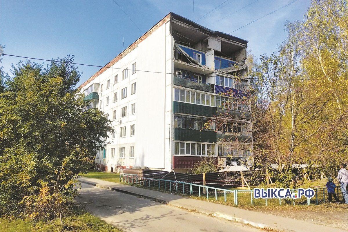 Водят за снос: выксунскую многоэтажку с обрушившимися балконами отказываются признавать аварийной