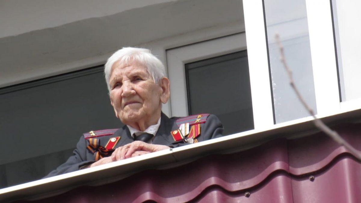 Полицейские поздравили с юбилеем ветерана Великой Отечественной войны из Кулебак