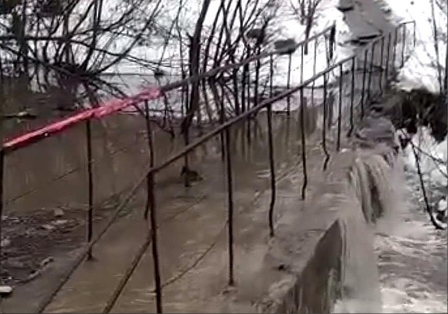 В администрации Советского района рассказали о причинах затопления моста через Старку в Нижнем Новгороде