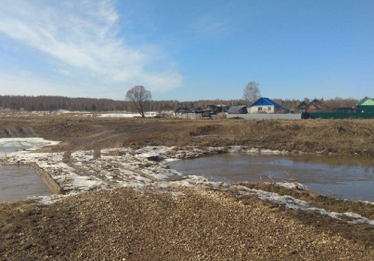 Мост через реку Вичкинза под Дивеевом освободился от воды
