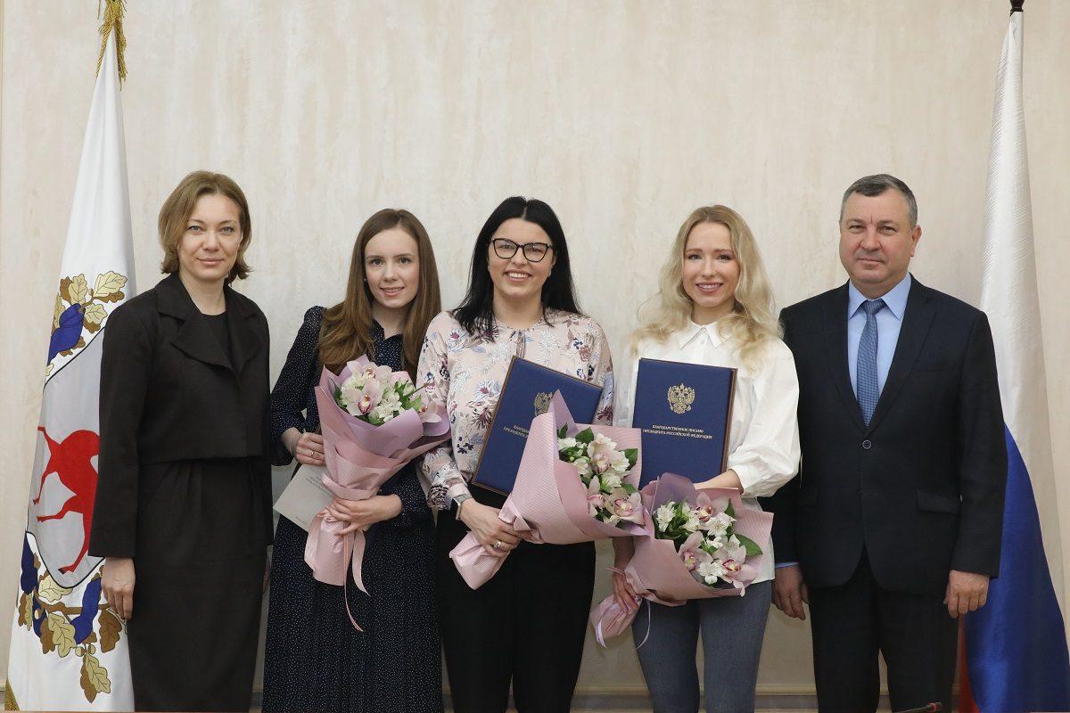 Благодарственные письма президентаРФ вручили нижегородцам, внесшим большой вклад вподготовку мероприятий к75-й годовщине Победы