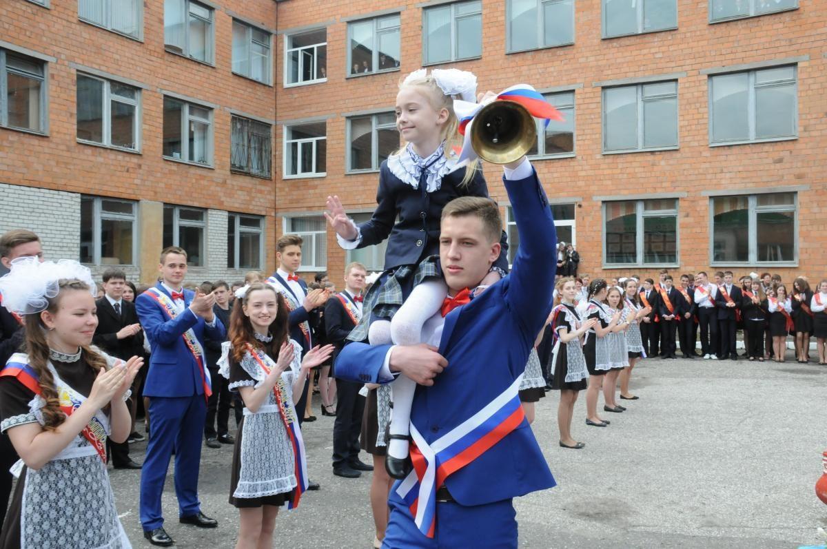 Родителям разрешили присутствовать на выпускных в детсадах и школах в Нижегородской области
