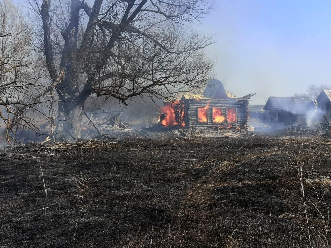 Семь домов загорелись в Большеболдинском районе