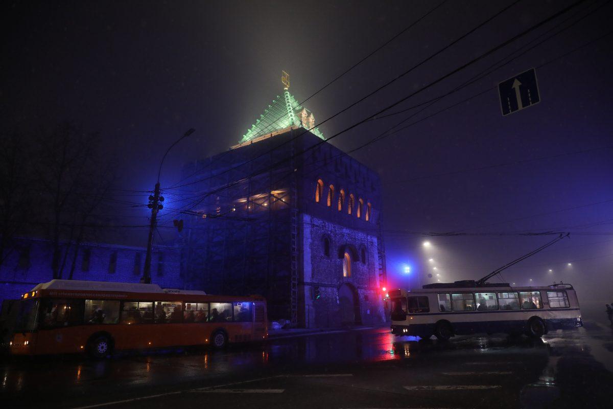 Исторические здания Нижнего Новгорода зажглись синим в День распространения информации об аутизме