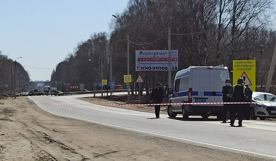 На Бору возле дороги нашли три военных снаряда